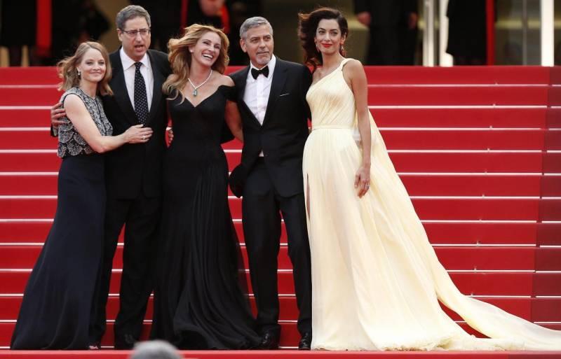 (画像元:http://www.xlifestyle.eu/cannes-2016-clooney-la-roberts-la-regina-del-red-carpet-amal/)