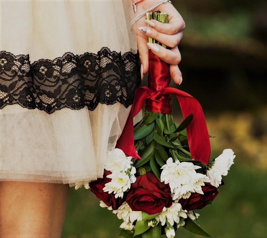 プランナーさんに聞いた♡お呼ばれドレスの新常識は「ホワイト以外OK♡」