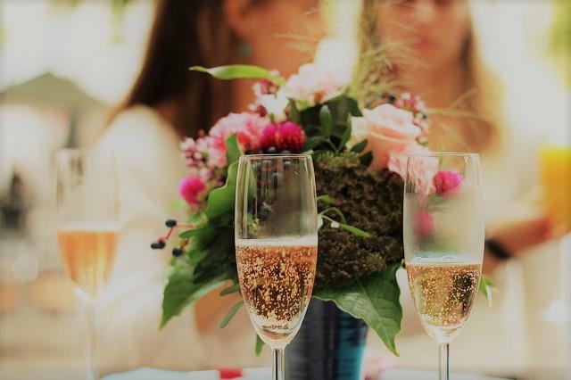 champagne-939876_640z