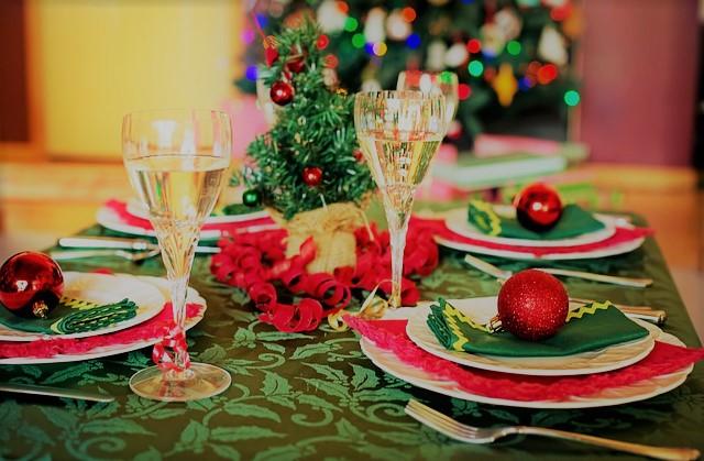 christmas-table-1909797_640z