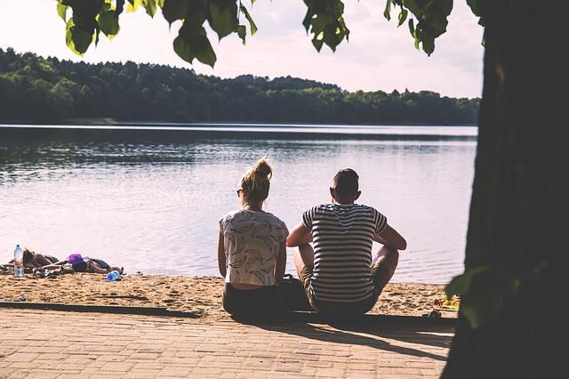 couple-1834936_640