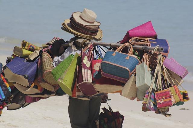 beach-seller-1311403_640