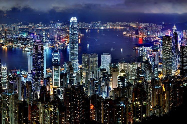 カップルで海外旅行!今、香港に行くべき3の理由