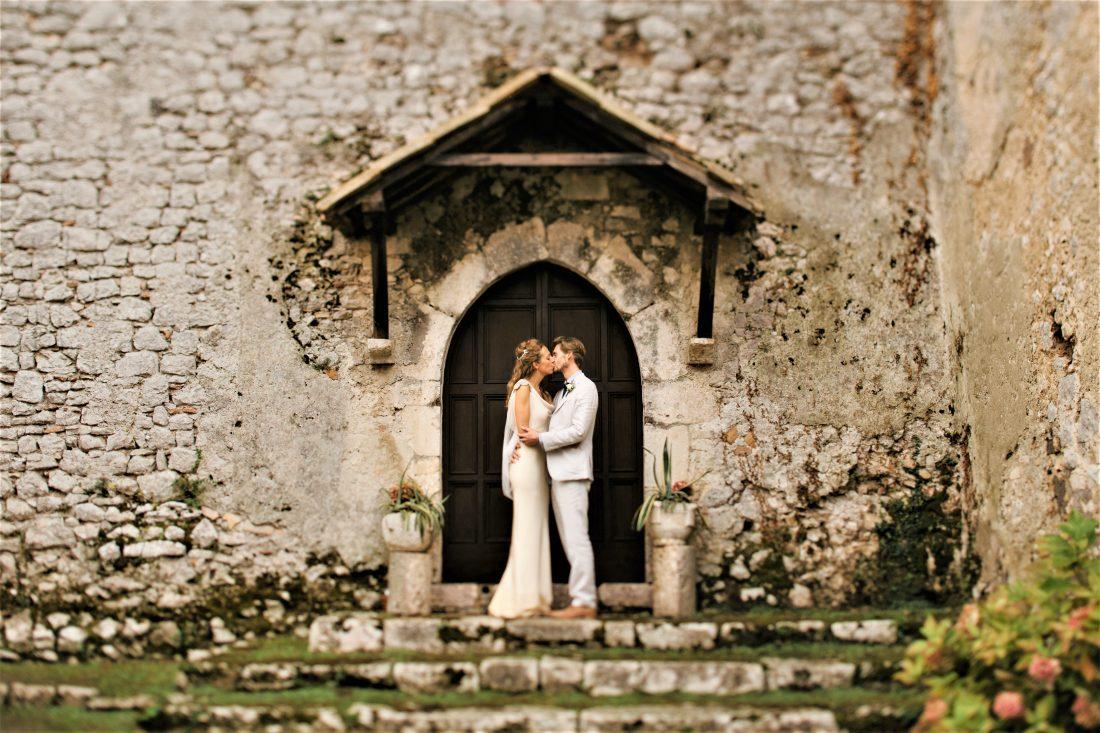 入籍や結婚式で気になるお日柄とは?大安、仏滅、友引…その意味を解説