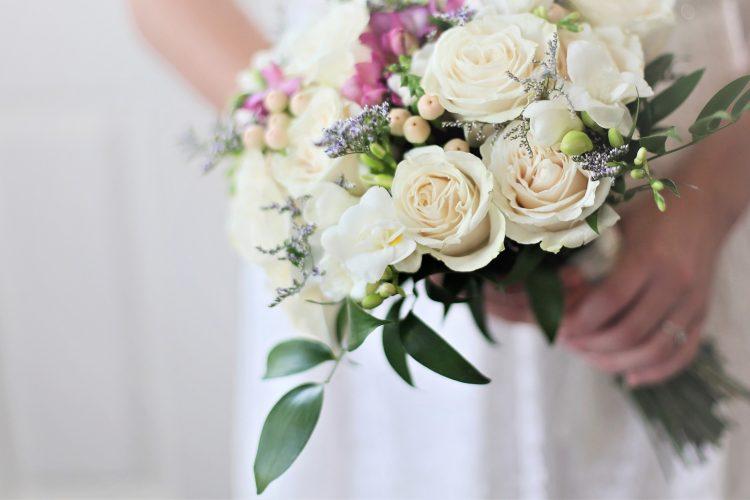 結婚願望は口に出すべき?電撃婚・武井咲に学ぶ引き寄せ力