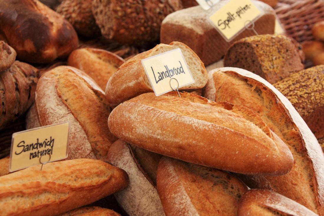 """パン好きがとまらない…❤まさかの100円、キャンドゥの""""パン型食器""""が話題"""