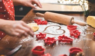 christmas-cookies-baking-with-love-picjumbo-com