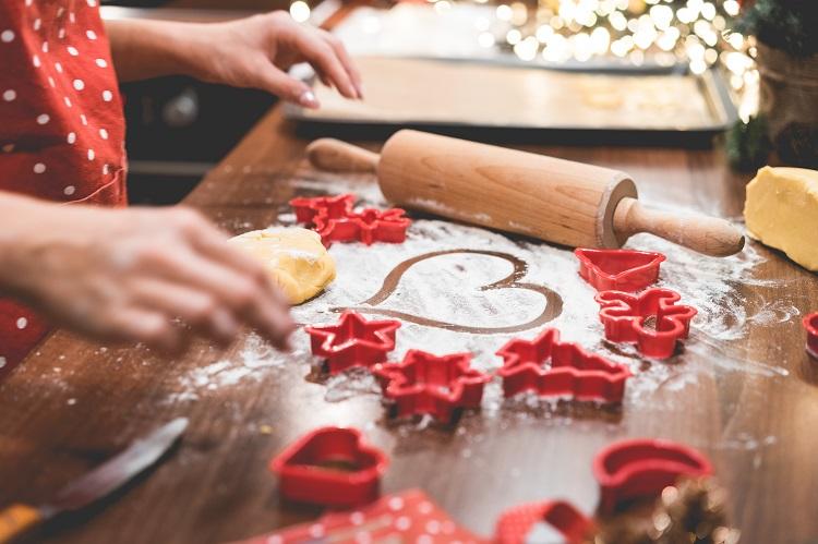 christmas-cookies-baking-with-love-picjumbo-com