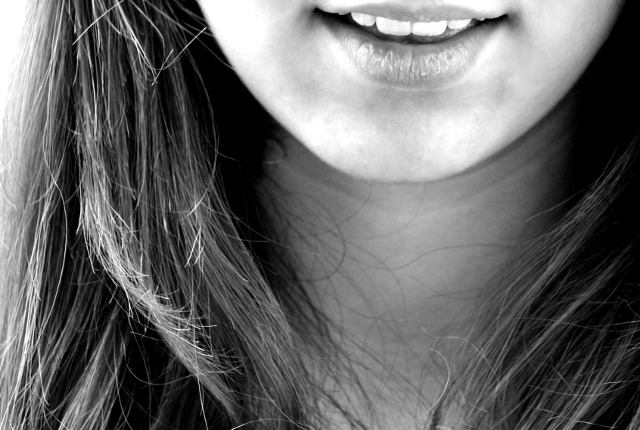 smile-laugh-girl-teeth-69833 (1)