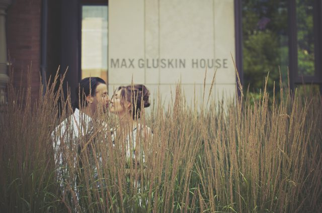 couple-grass-kiss-27687 (1)
