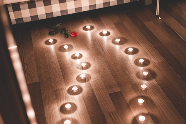 romantic-candles-as-a-pathway-in-a-bedroom-picjumbo-com