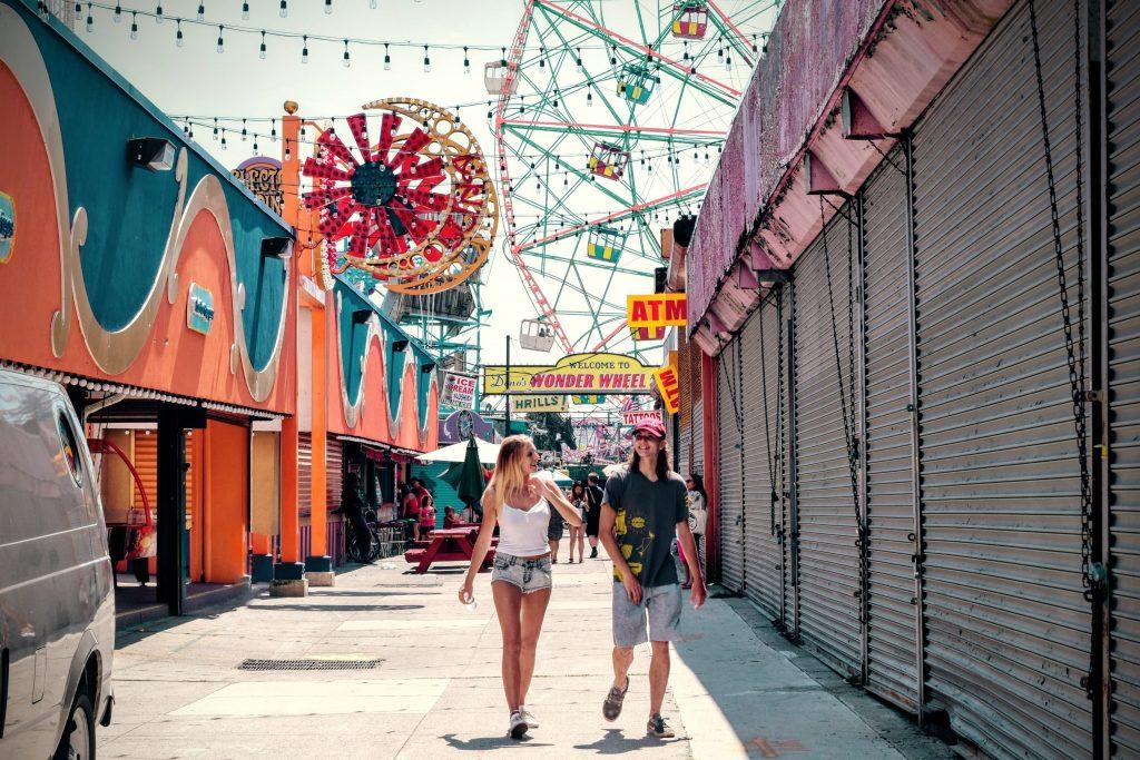 amusement-park-building-carnival-160097