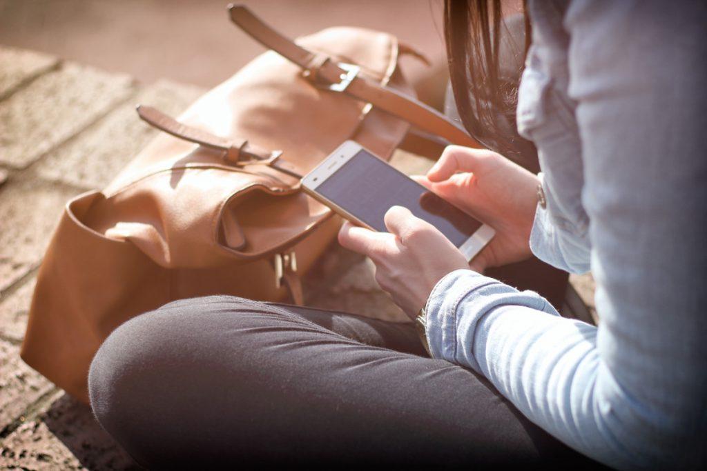 bag-electronics-girl-359757