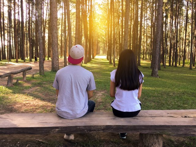 bench-countryside-couple-450050 (1)