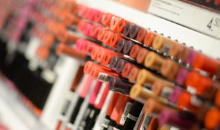 beauty-cosmetics-depth-of-field-1571585