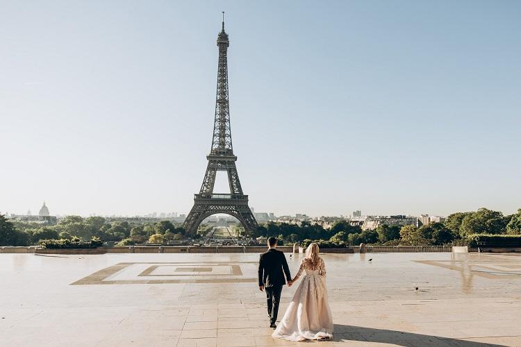 adult-architecture-bride-1488315