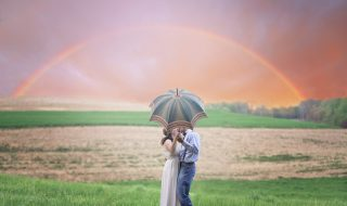 countryside-couple-cropland-1067194